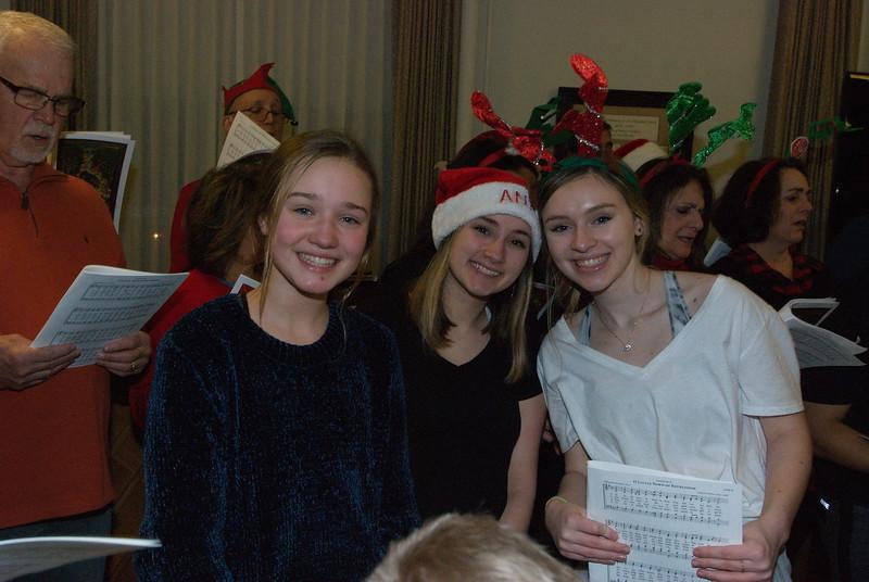 2018-12-19-Christmas-Caroling_016.jpg