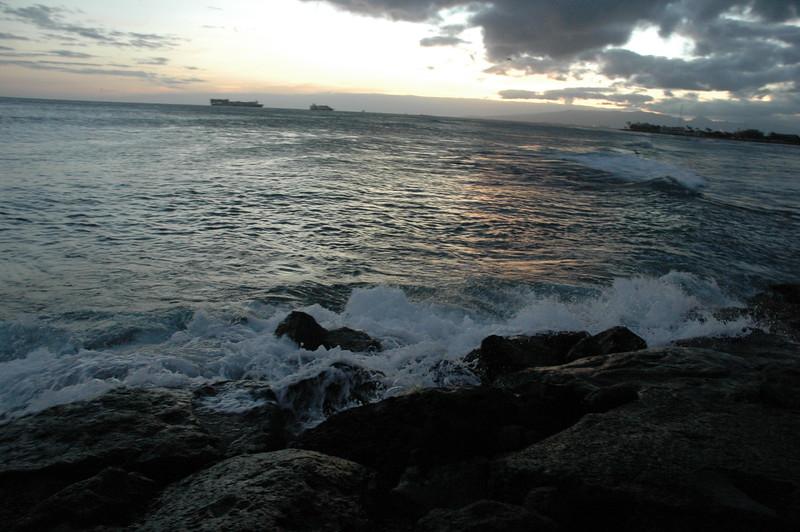 Hawaii - Ala Moana Beach Sunset-122.JPG