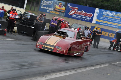 Top Alcohol Funny Car Action