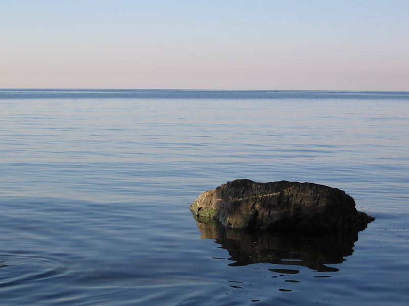 Rock in the water (submitted to Photoblogs Magazine)