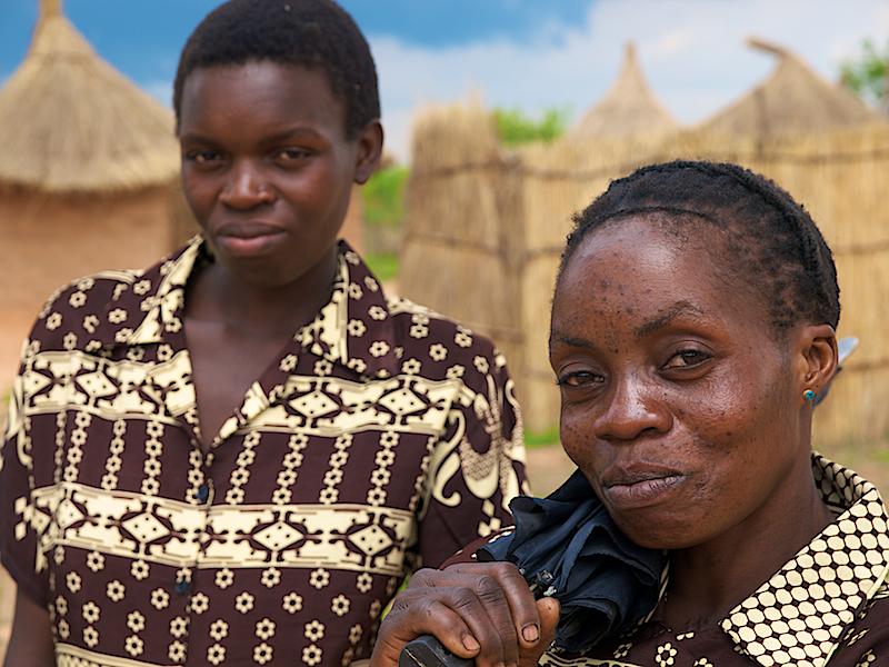 Proud mother, modest son. Makumba Village, Kalomo District (Foto: Geir)*