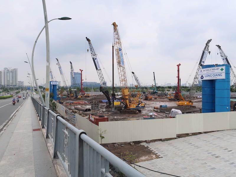 IMG_2392-thu-thiem-river-park-at-bridge.jpg