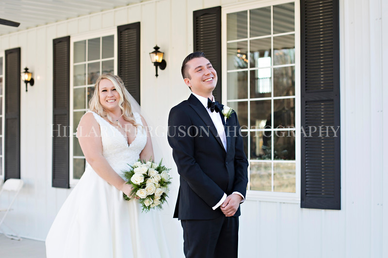 Hillary_Ferguson_Photography_Melinda+Derek_Getting_Ready364.jpg