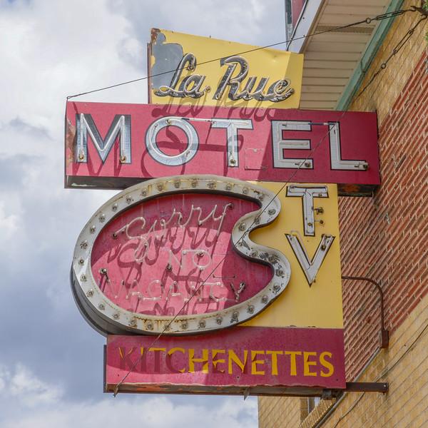 La Rue Motel