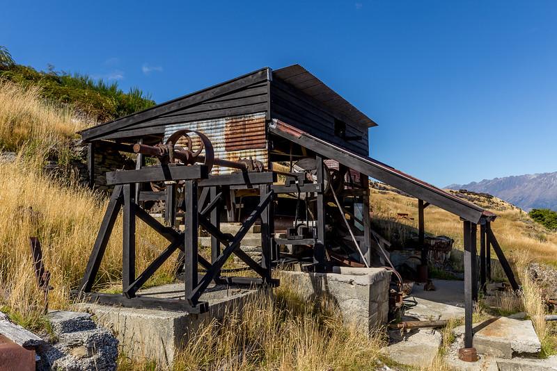 «Glenorchy Scheelite Battery» - Das Hauptgebäude der Scheelit-Verarbeitung (aus Scheelit wurden Edelsteine geschliffen oder es wurde daraus Wolfram gewonnen)