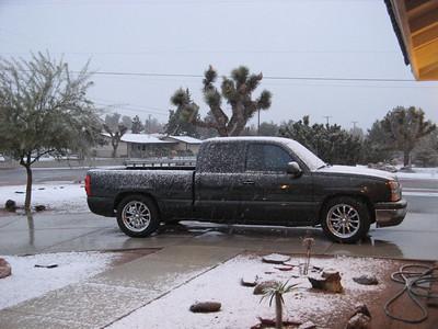 ALL DAY SNOW IN HESPERIA & STILL GOING TONIGHT 12-17-08