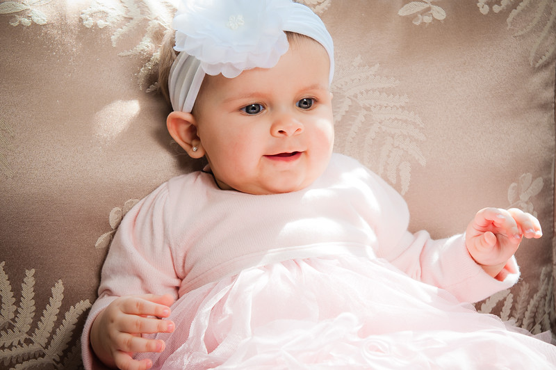 Lily at 6 months-4588.jpg