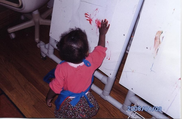 Lauryn Fingerpainting
