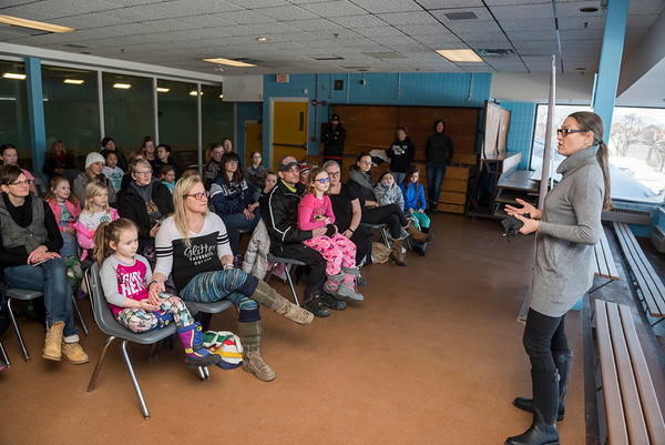 DAVID LIPNOWSKI / WINNIPEG FREE PRESS  Five-time Olympic speed skater Susan Auch spoke at Strong Girls on Ice, a Manitoba Speed Skating Association event for girls ages five to 17, at the Cindy Klassen Recreation Complex Sunday January 28, 2018.