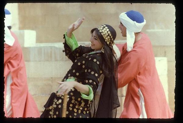 013_Sakkarah_Danses_Folkloriques.jpg