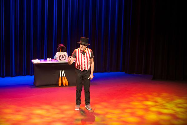 TomFoolery Juggling Extravaganza