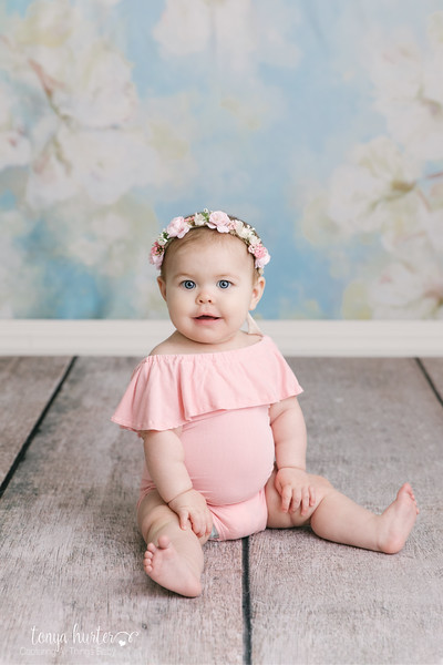Tonya-Hurter-Photography-Copyright-2019-Newborn-Raleigh370A2308-Edit_.jpg