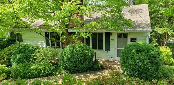 SOLD - 2 Oakridge Blvd Homes