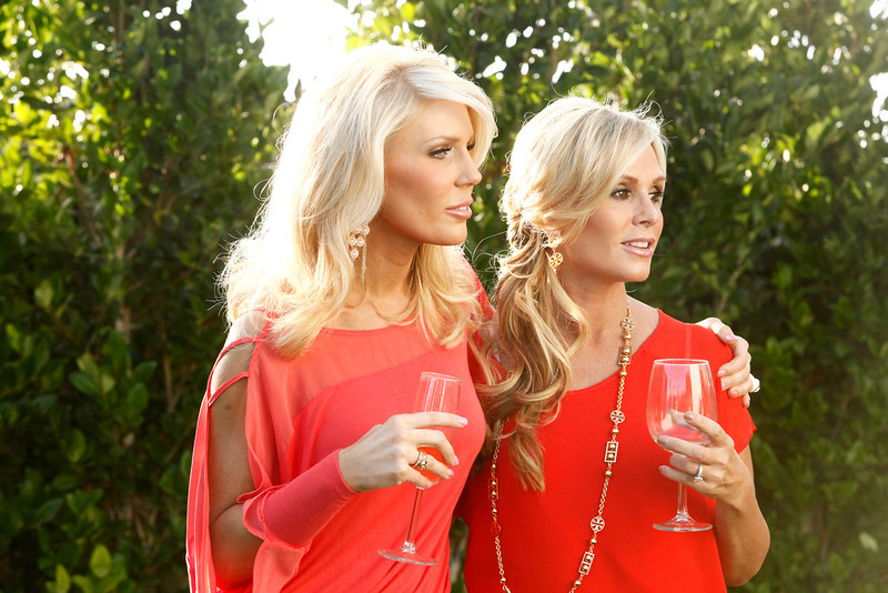 """. REAL HOUSEWIVES OF ORANGE COUNTY -- \""""All Housewives Clam Bake at Rachel\'s\"""" -- Pictured: (l-r) Gretchen Rossi, Tamra Barney -- (Photo by Vivian Zink/Bravo)"""
