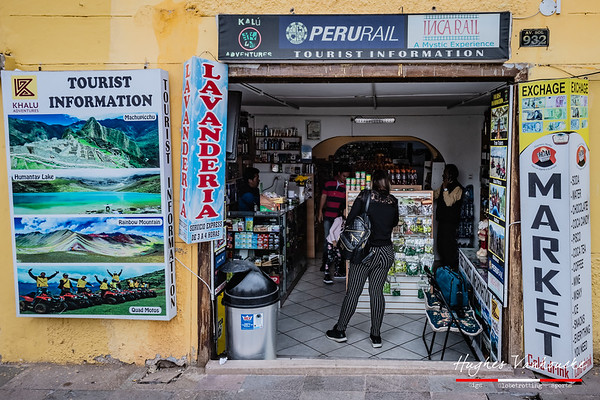 Market & lavandería Huayruros @ Av. Sol 932  - Cusco - Peru