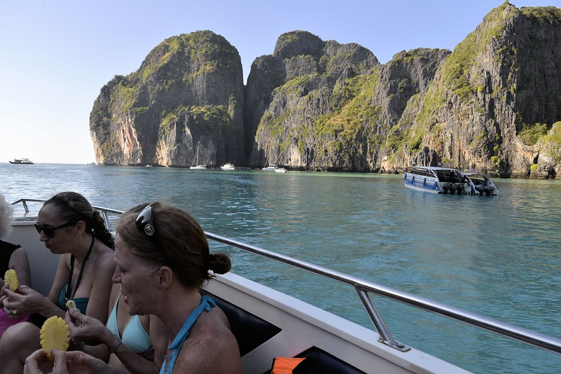 _DG17537-12R Phi Phi Maya Bay.JPG