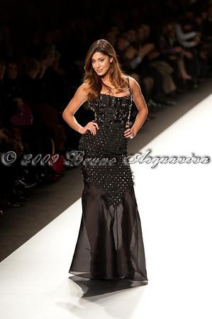 Clips - Milano Moda Donna '09