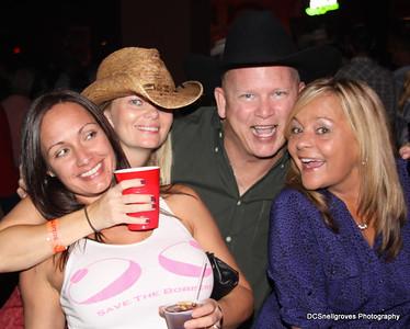 2011-09-23 Mel & Jen Dallas Bull