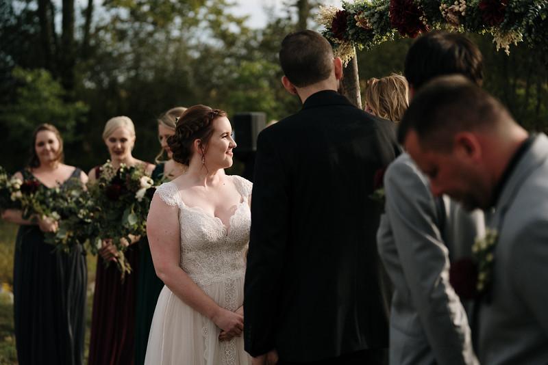 rustic_ohio__fall_barn_wedding-210.jpg