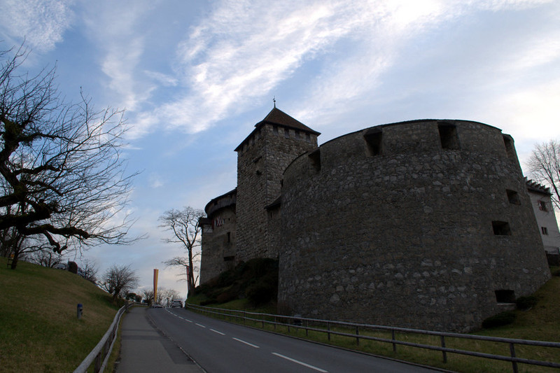 Liechtenstein Vaduz Castle and road 2.jpg