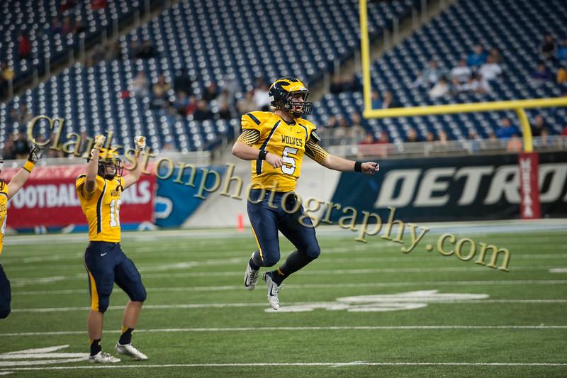 2014 Clarkston Varsity Football vs. Saline 708.jpg