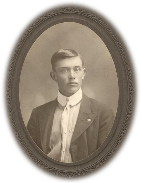 Alonzo Turner 1902