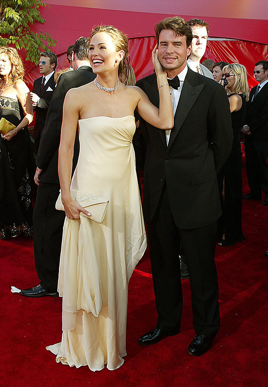. Jennifer Garner and Scott Foley at the 54TH ANNUAL PRIMETIME EMMY AWARDS, Sunday, September 22, at the Shrine Auditorium, Los Angeles, CA.   Photo by:Kevin Winter/Getty Images