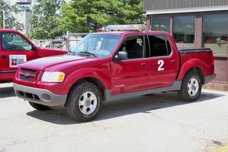 CHERRY CAPITOL AIRPORT  RESCUE 2   FORD EXPLORER  4 DR.jpg