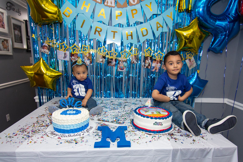 2020 10 Jose and Susanah Family _MG_059018.jpg