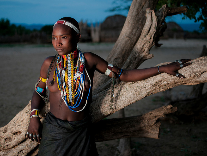 Young woman from the Arbore tribe.