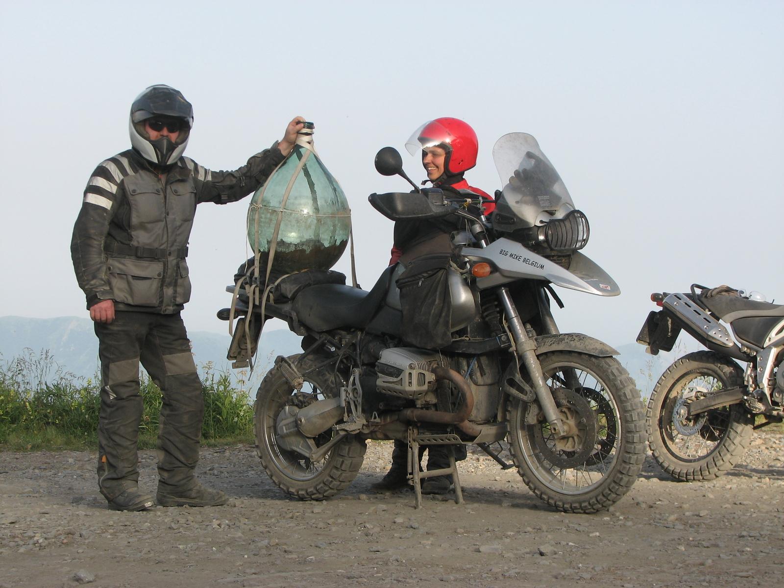 Baisse di Sanson 2012, ooit vonden Veerle, Hans en ik een dame-jeanne die we zelfs heelhuids naar beneden brachten !!!