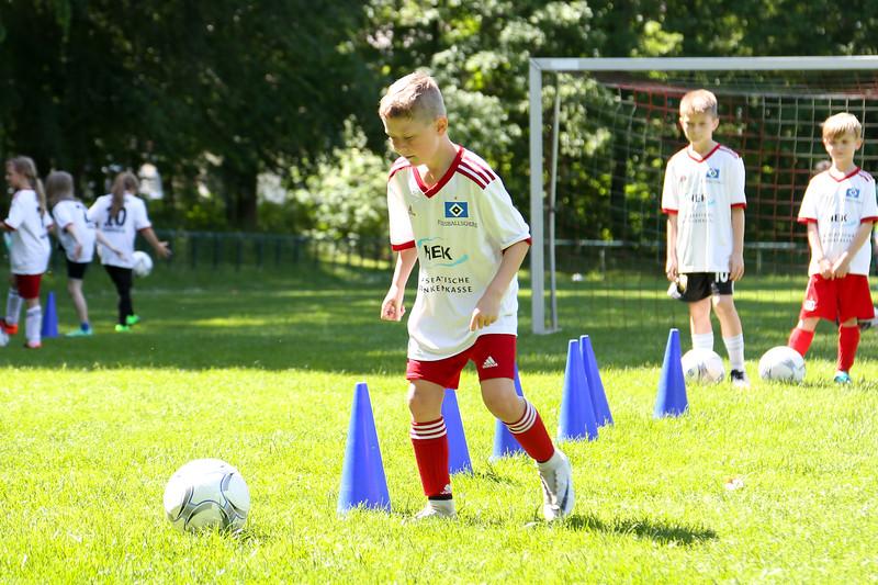 hsv_fussballschule-447_48048037217_o.jpg