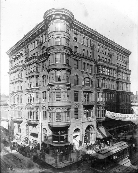 Bryson Block on the corner of Second Street and Spring Street, Los Angeles, 1905