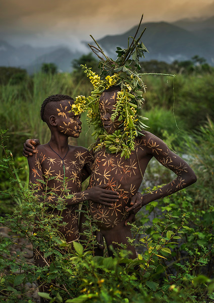 The Suri people live in an area of Ethiopia close to the Sudanese border. They are known for decoration themselves using natural items found in the nearby countryside.  Southern Ethiopia, 2017