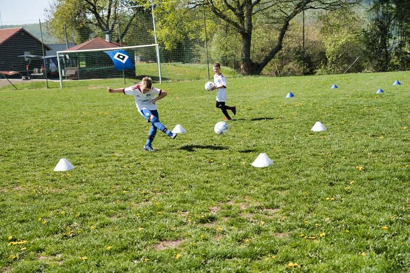 hsv-fussballschule---wochendendcamp-hannm-am-22-und-23042019-y-20_40764458923_o.jpg