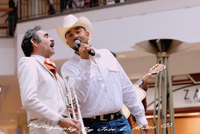 2013-08-25 La Estrella de Fiesta Mall--Round 3