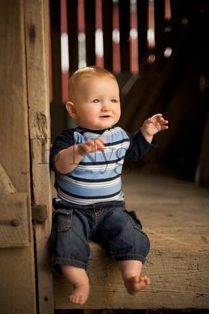 Children - Ezra 7 months