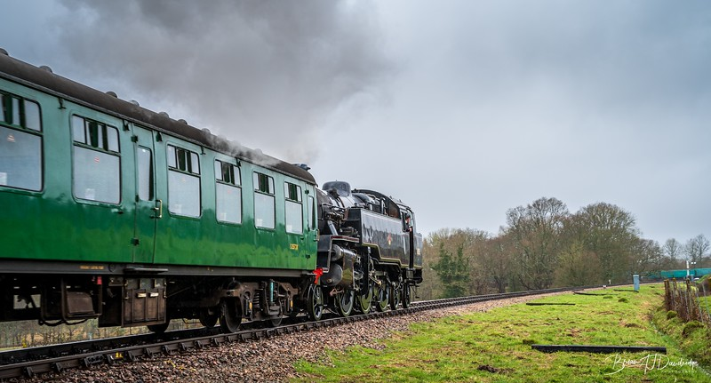80151 approaches Horsted Keynes