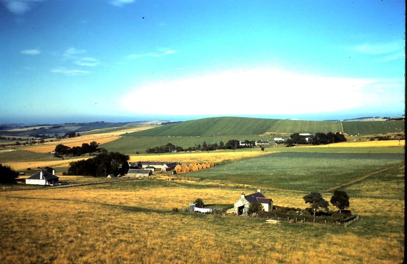 1959-9-7 (17) Farm scene @ Huntly, Scotland.JPG