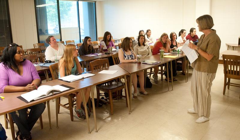 05_31_11_nursing_classroom-4088.jpg