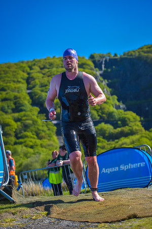 Slateman Triathlon Swim Exit - Wave 3 Purple Hats