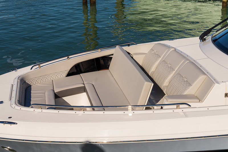2021-Sundancer-370-Outboard-Bow-Seating-Backrest.jpg