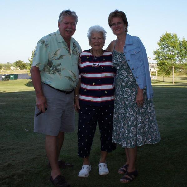 Marty, Vivia & Joy 8-27-2010.jpg