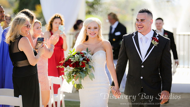 PLAY VIDEO Newberry Estate Vineyards Wedding Stephanie & Jerred