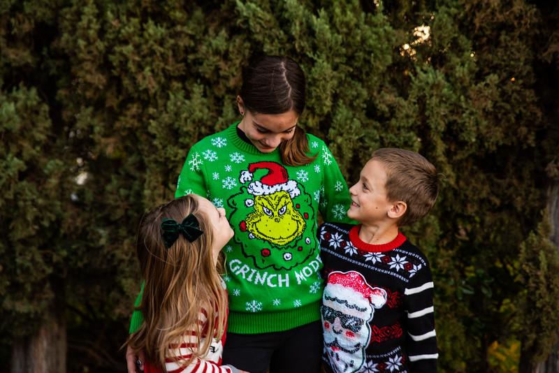 Christmas Sweater Cousins 2020-6713.jpg