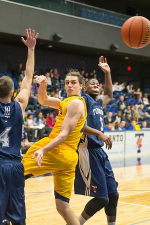 Men's Basketball - Queen's at Toronto 20150220