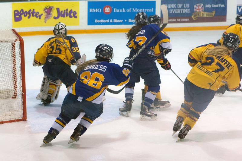 20130310 QWHockeyvsUBC 302.jpg