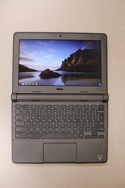18730_Dell Chromebook 11 - 2015 - Body Shot - 1035_720x1080.jpg