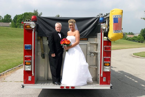 Wedding: Ron & Tracy - Fire Truck