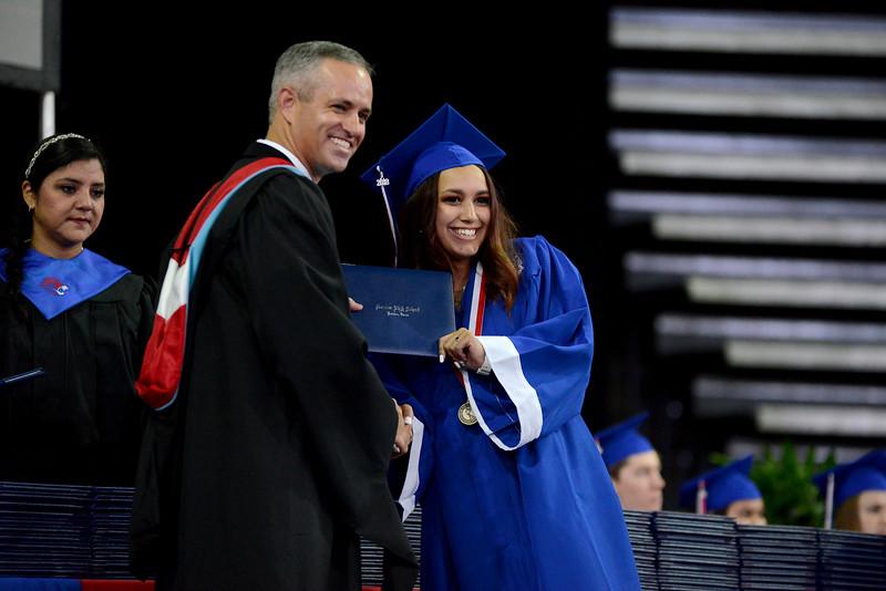 LHS-Graduation_015.jpg